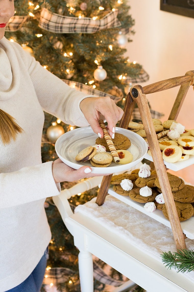 Hosting a Holiday Cookie Party