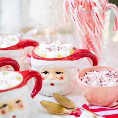 Homemade Peppermint White Hot Chocolate