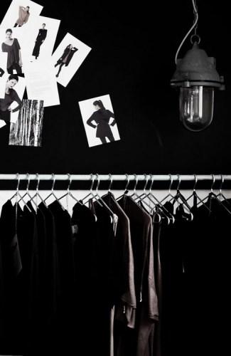 closet_blackwall