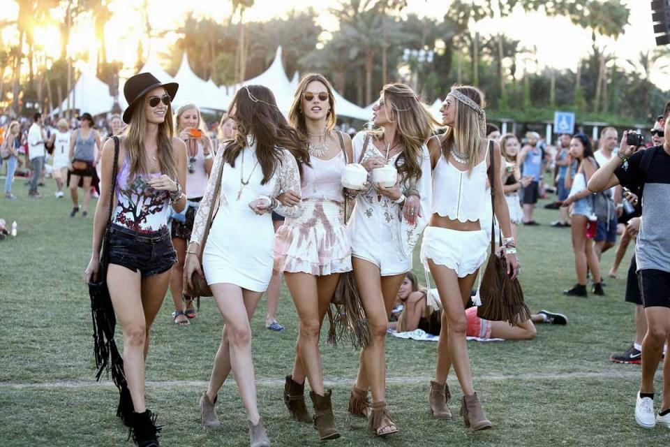 celebrities_street_style_festival_de_coachella_2015_644279574_1200x