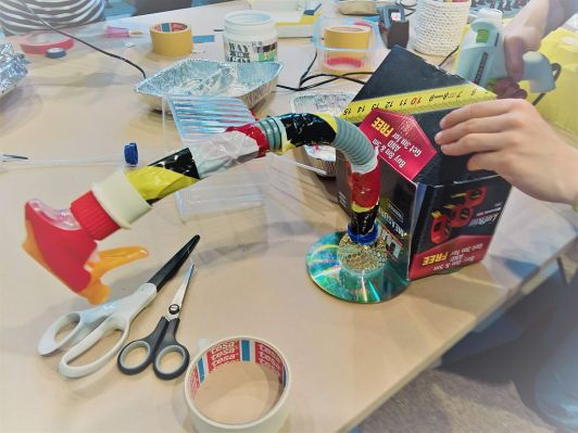 FRICKELclub_Kinder_Geburtstag_Ufos_Roboter_Aliens_Recycling_DIY_Basteln_ (8)