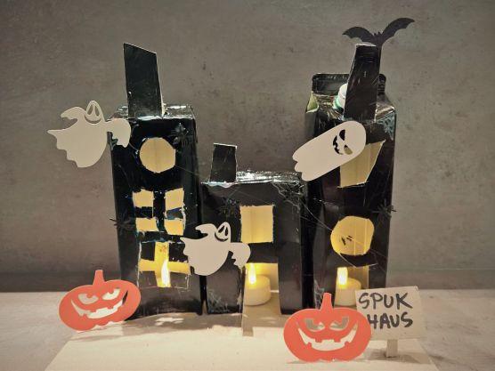 FRICKELclub_Halloween_Recycling_Basteln_Kinder_Tetra Pak_Geisterstadt_Windlicht (6)