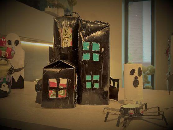 FRICKELclub_Halloween_Recycling_Basteln_Kinder_Tetra Pak_Geisterstadt_Windlicht (7)