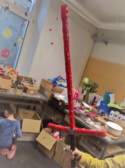 FRICKELclub_Recycling_Basteln_Kinder_Schwert_Papprolle (2)