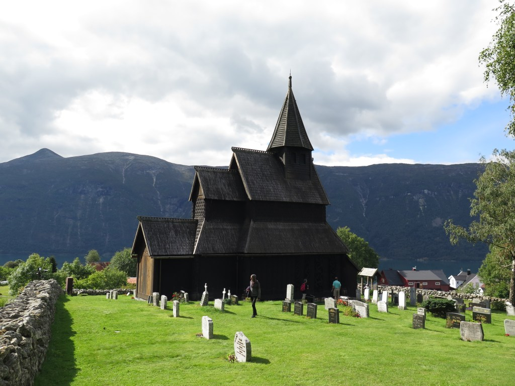 image of urnes stavechurch