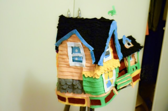 disney up house costume