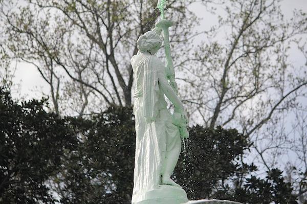 statue-460921_640