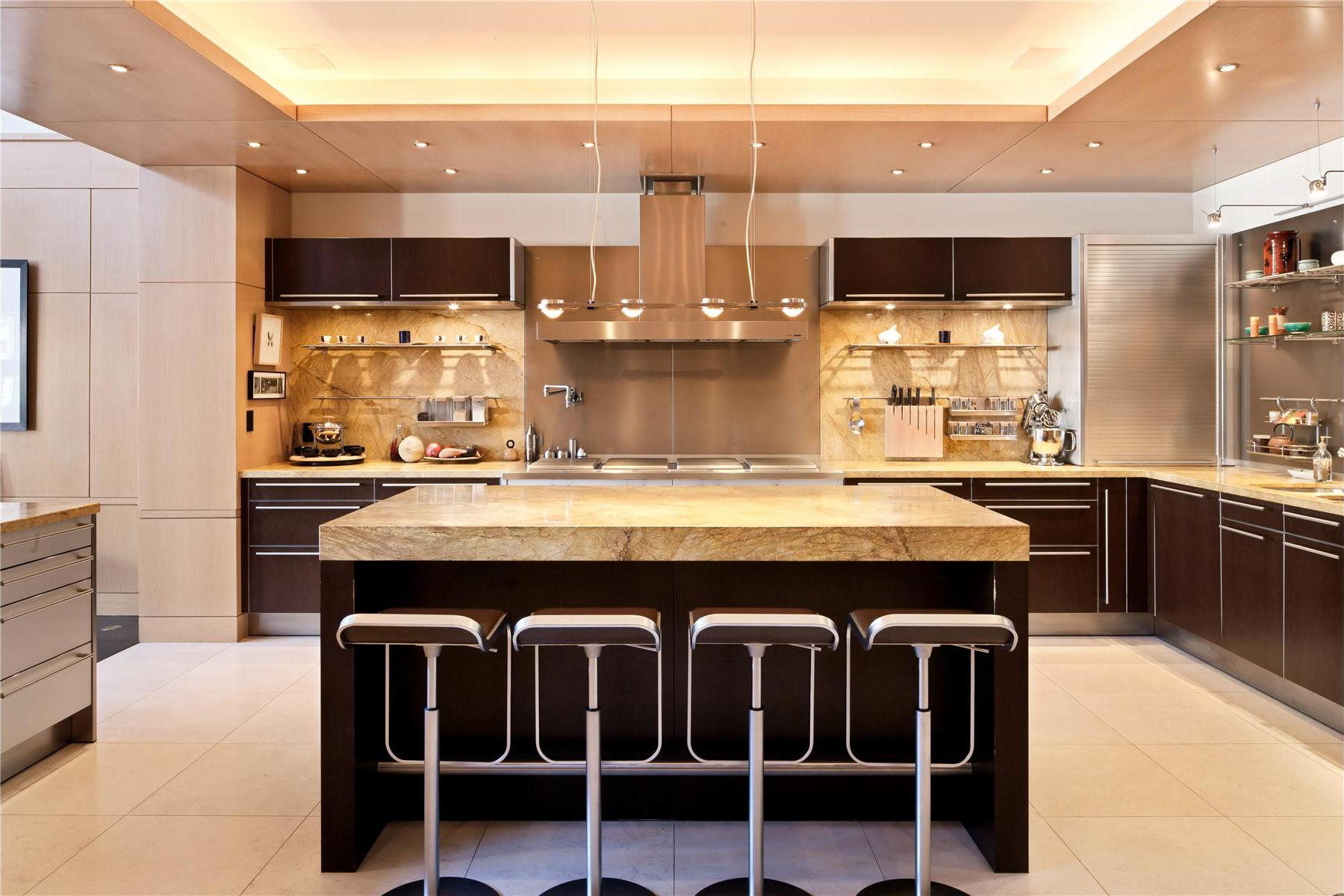 green kitchen remodeling ideas - friendly contractor