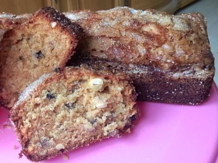 Apple Raisin Amish Friendship Bread by Saskia Baur ♥ friendshipbreadkitchen.com