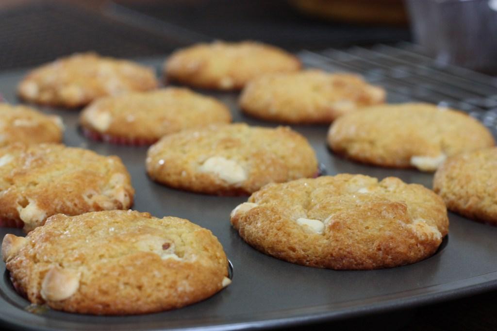 White Chocolate Macadamia Nut Cheesecake Amish Friendship Bread  ♥ friendshipbreadkitchen.com