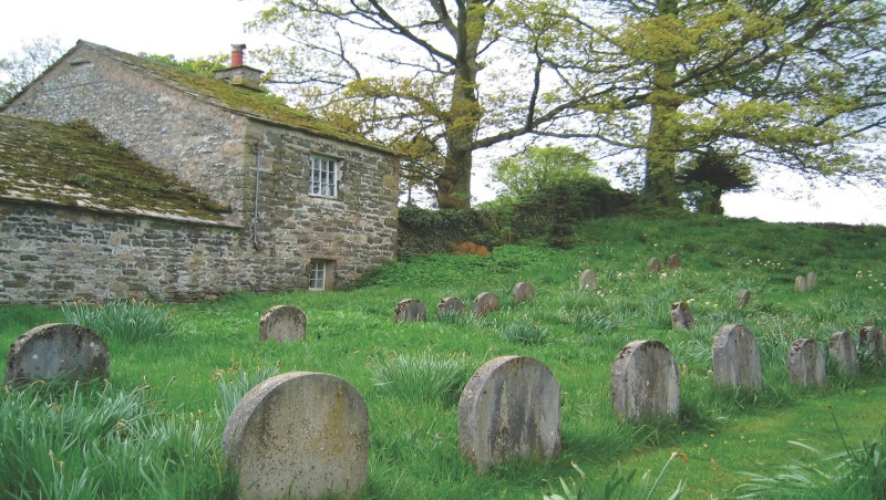 Graveyard of Brigflatts Meeting near Sedbergh in Cumbria, U.K. Photo by Martin Kelley.