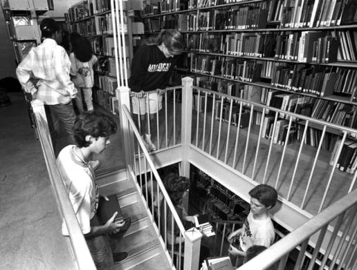 "Guilford College's 189 ""Great Library Book Move."" Student volunteers shifted books as the library expanded to house growing print book collections. (Friends Historical Collection, Guilford College, Greensboro, N.C.)"