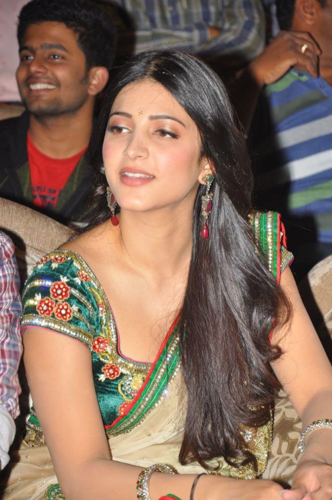 Shruthi Hassan (2)