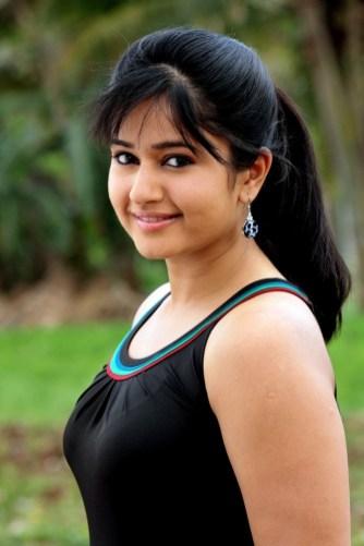 Poonam Bajwa (7)