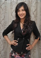 Indian Actress Shruti Hassan Latest Photos in Black Dress