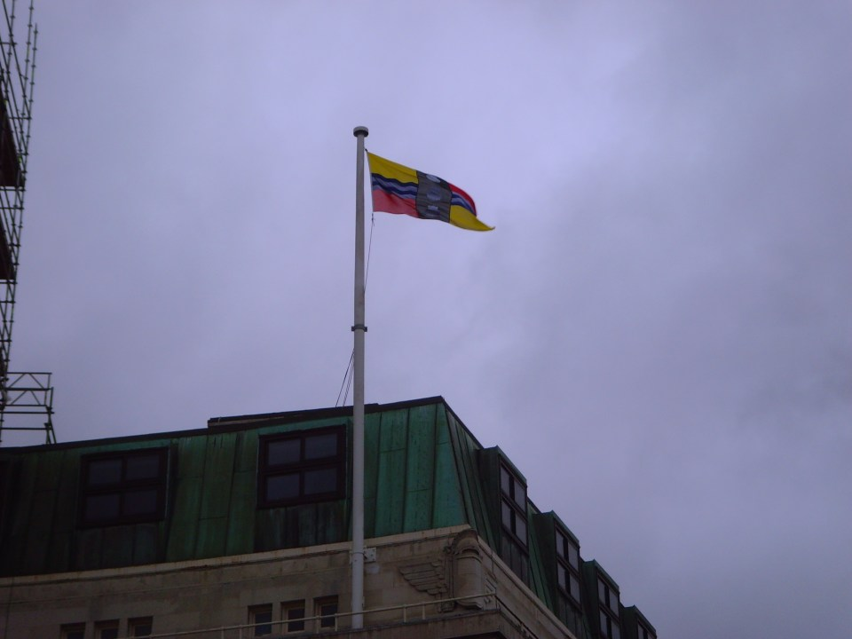 Befordshire flag flying at Luton Town Hall