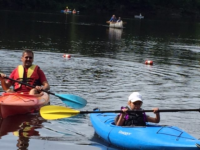 Canoeing and kayaking Lake O' the Dalles at WI Interstate Park