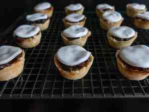 Gluten free, vegan filled mini mince pie cases.. Ready to serve