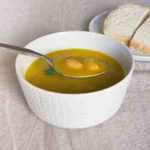 Carrot, Parsley and Butter Bean Soup