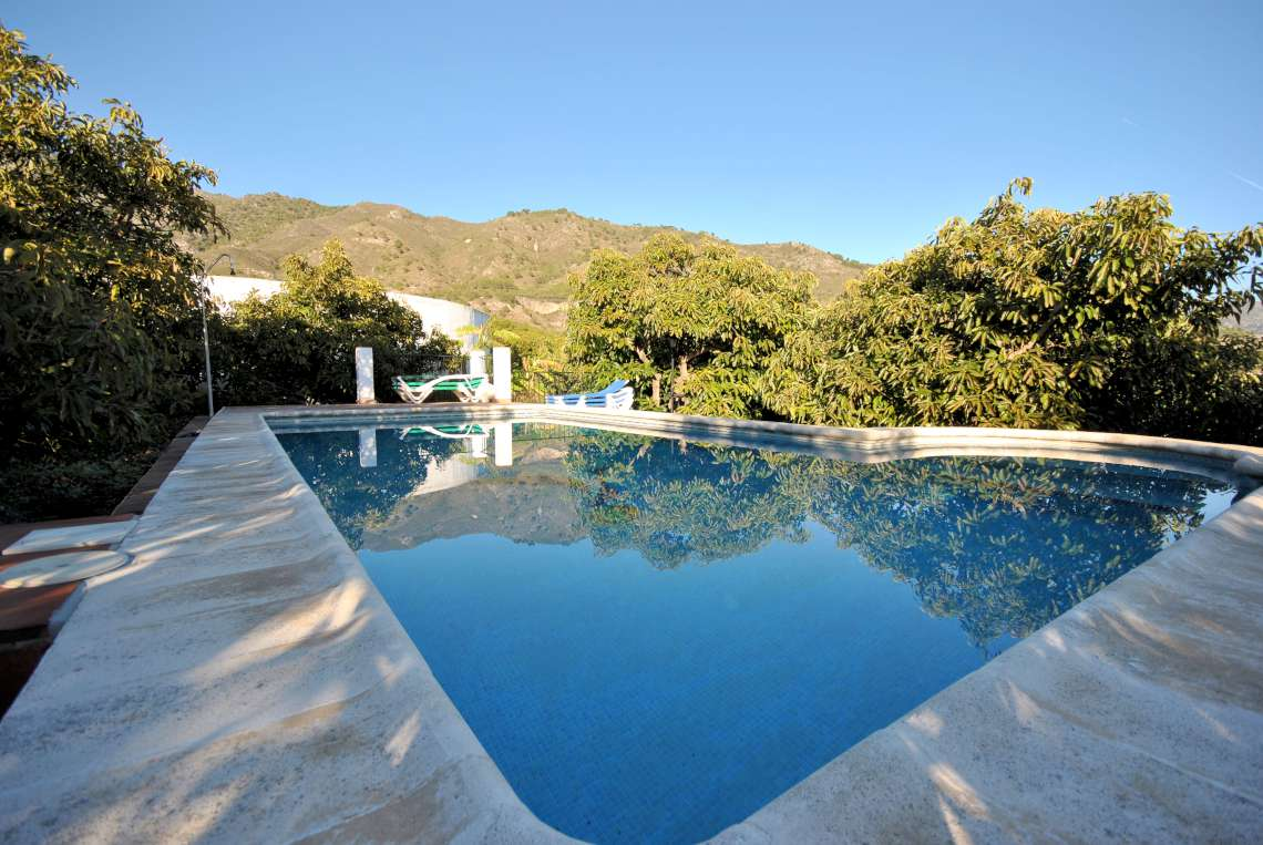 pool at las madrones