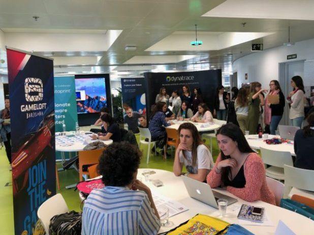 Más de 40 mujeres participan en el evento WomenHack celebrado esta semana en Barcelona