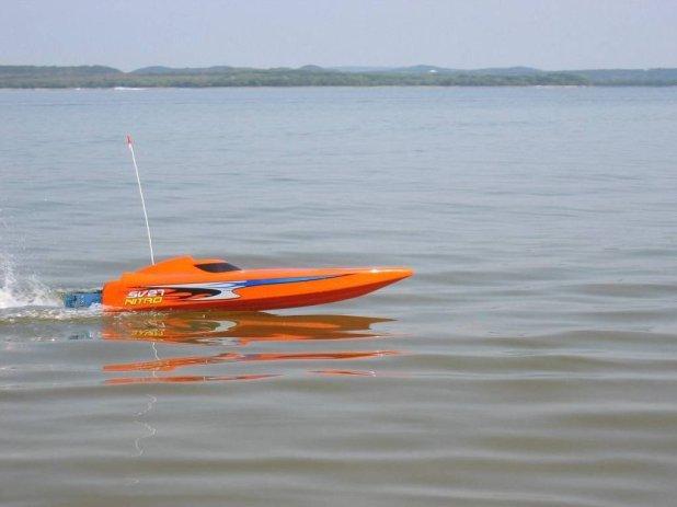 Disfruta del verano con barcos teledirigidos