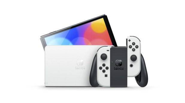 Luce tus colores con Nintendo Switch – Modelo OLED disponible en tiendas a partir de este viernes