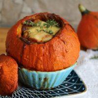 Herbst-Rezept: gefüllter Kürbis mit Bergkäse #Food #Hokkaido #Kürbiszeit