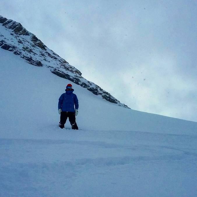 Finally we can ride some fresh Pow! #frisek #frisekteam #zermatt #furi #snowboard
