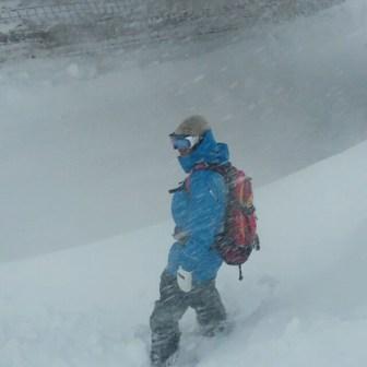 Surviving the snowstorm @kbgh @valax.simon @guillaumefsk@laurent5_4 #frisek #frisekteam #champery #lescrosets #snowstorn