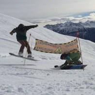 #funny #bonky #carvy #shredy #day #snowboarding #switzerland #frisek #frisekteam rider: @mitchfsk @vvchiche 🎥 @blanc_steve