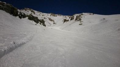@blanc_steve #kilometrelancé #droitenbas #frisekteam#frisek #cransmontana #plainemorte #snowboard #fautarreterlesfrais 📷@guillaumefsk