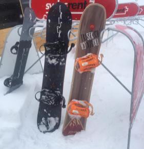 #samesame but #deeper #powpow #frisek #snowboarding #sweetzerland