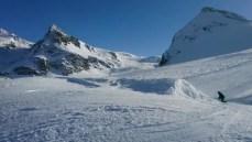 Yelling on Jerries and riding the kickers #frisek #zermatt #snowboard #awesome #snowparkzermatt @snowparkzermatt @vvchiche @laurent5_4 @christophesc 🎥 @guillaumefsk