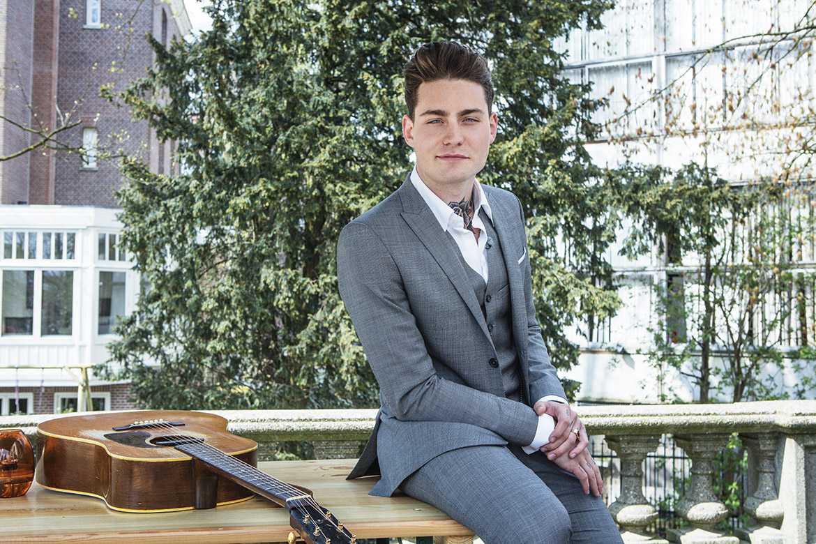 Douwe Bob Dutch contestant Eurovision Song Festival Contest 2016