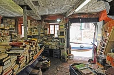 libreria_acqua_alta_04