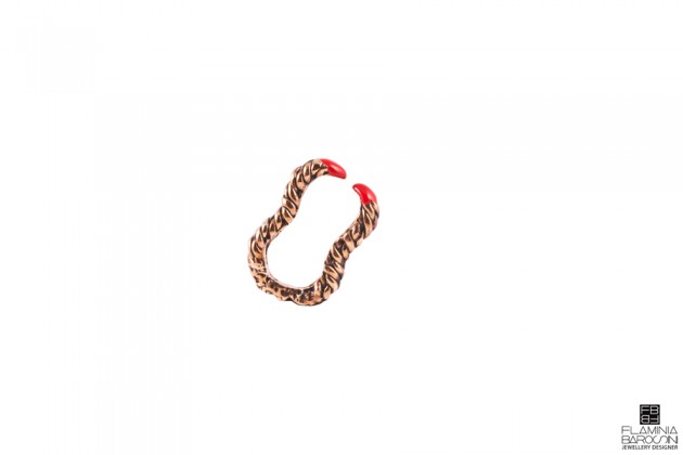 anello becco clematide smalto rosso