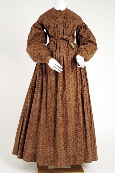 1840-45, American or European cotton dress, Metropolitan Museum of Art.