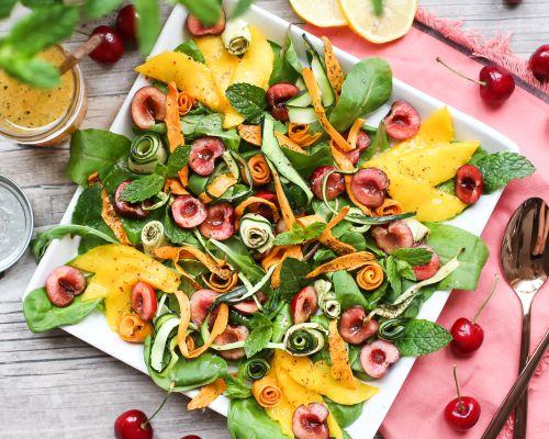 Gegrilltes Gemüse mit Früchten