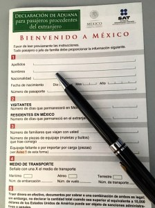 Photograph of a customs form from Mexico in Spanish.