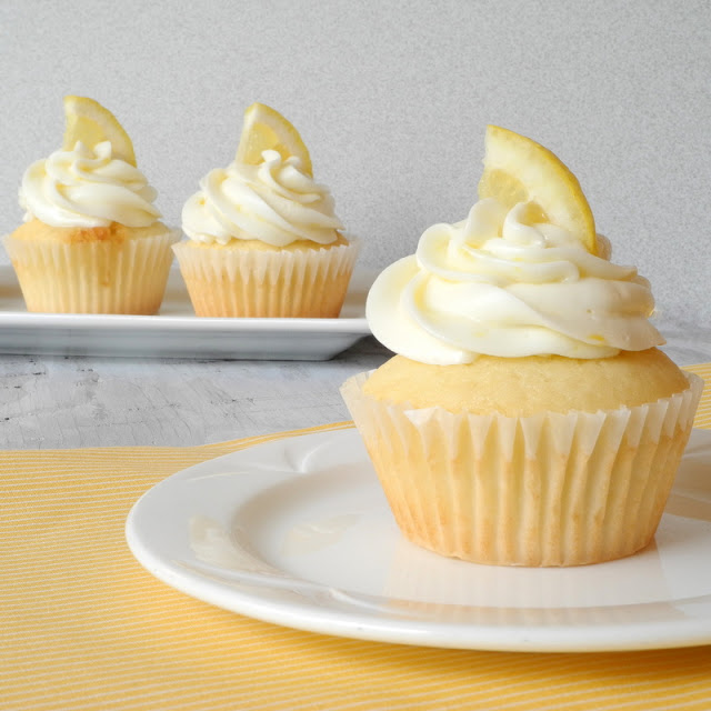 Raspberry-Filled-Lemon-Cupcakes