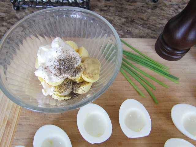 Deviled eggs filling