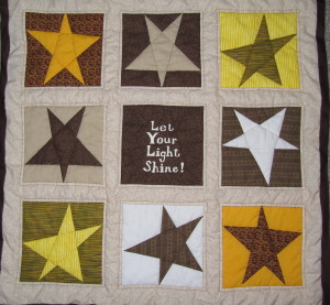 "Quilt that says ""Let Your Light Shine!"""