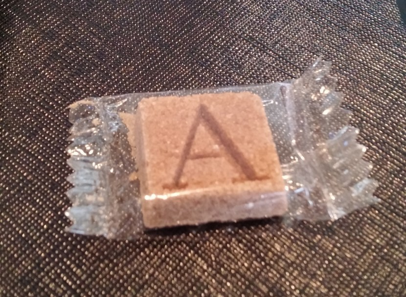 How amazing are these monogrammed sugar cubes?