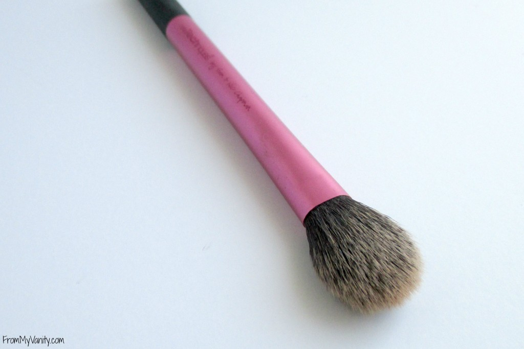 top-drugstore-makeup-brushes-setting