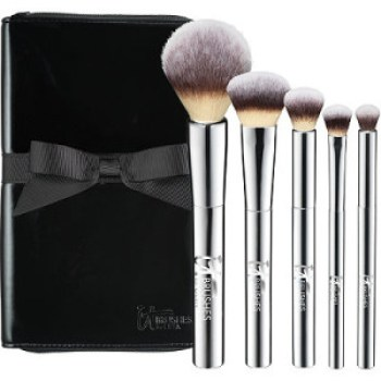 My Top 10 Ulta Gift Set Picks for the Holidays // Gift Guide // Beauty Gifts // IT Brushes for ULTA // #UltaBeauty #GiftGuide FromMyVanity.com