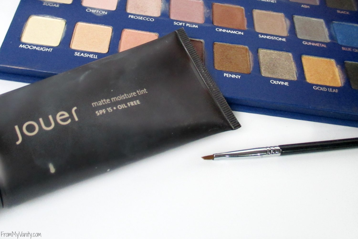 Monthly Beauty Favorites // October 2015 // Jouer Foundation & Sigma E06 Liner Brush // FromMyVanity.com