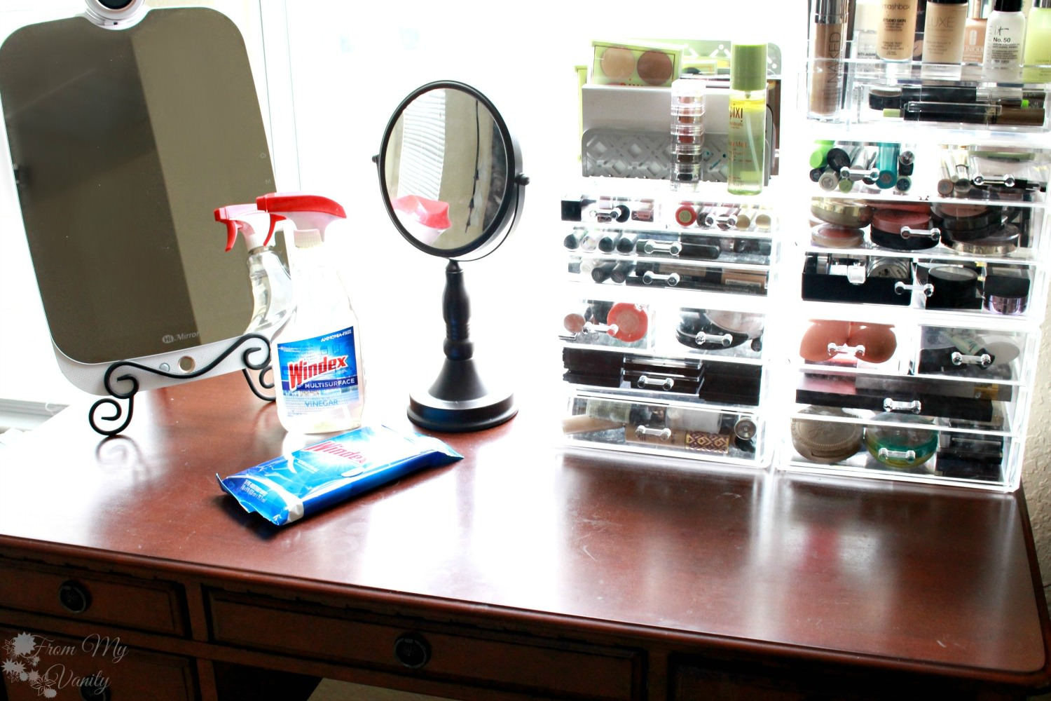 5 Tips To Keep Your Vanity Clean