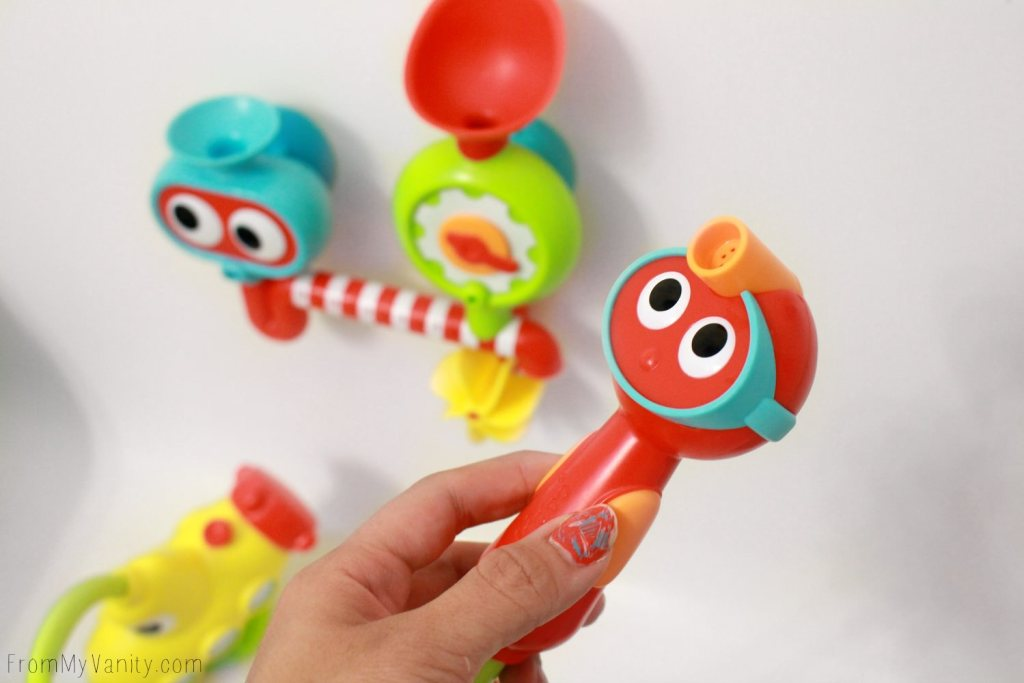 4 MUST HAVE Bath Toys You May Not Know About | Yookidoo Submarine Spray Station | Bath Time Fun