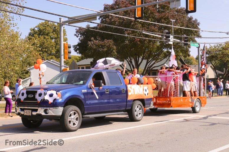 parade_homecoming 14
